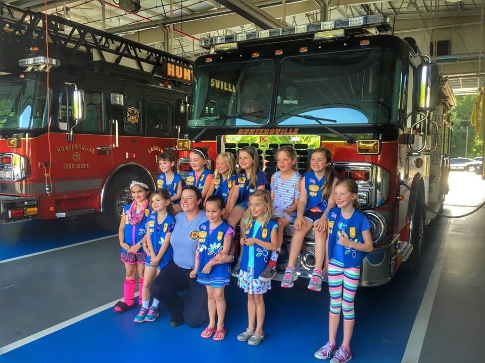 DAISY TROOP VISITS STATION 1