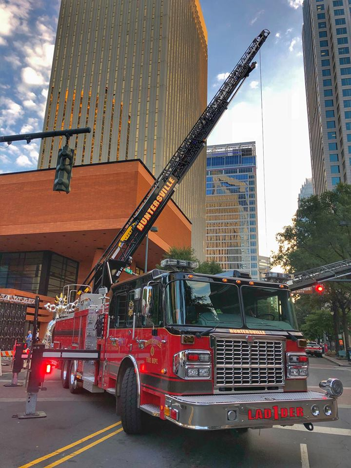 LADDER 1 IN UPTOWN FOR 9/11 STAIRCLIMB
