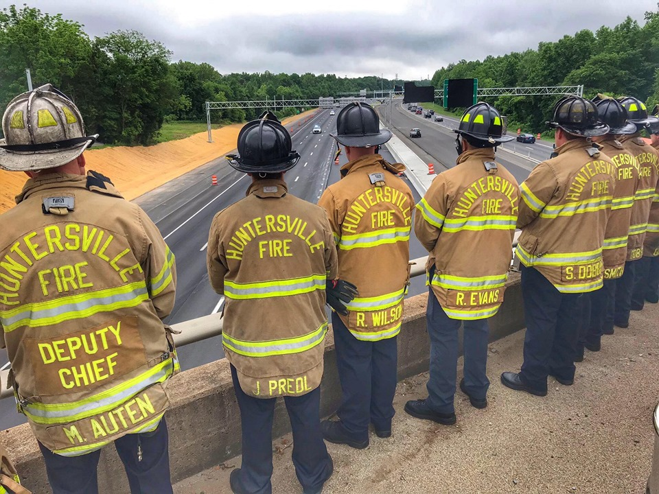 HFD HONORS FALLEN MOORESVILLE OFFICER