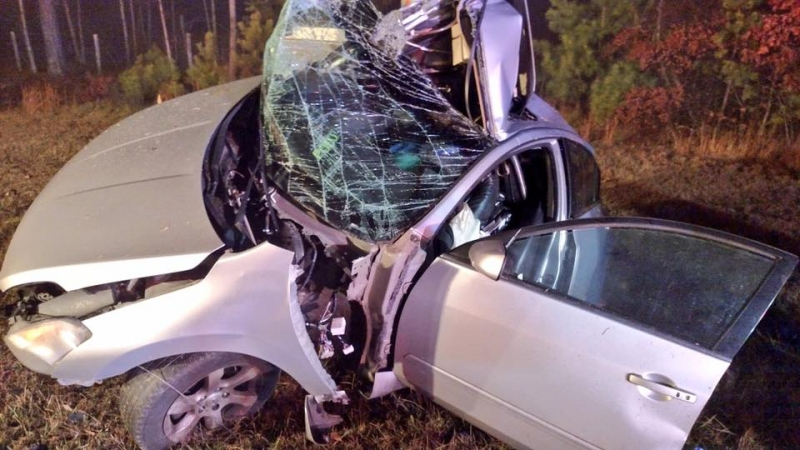 CAR VERSUS POLE ON THE INTERSTATE