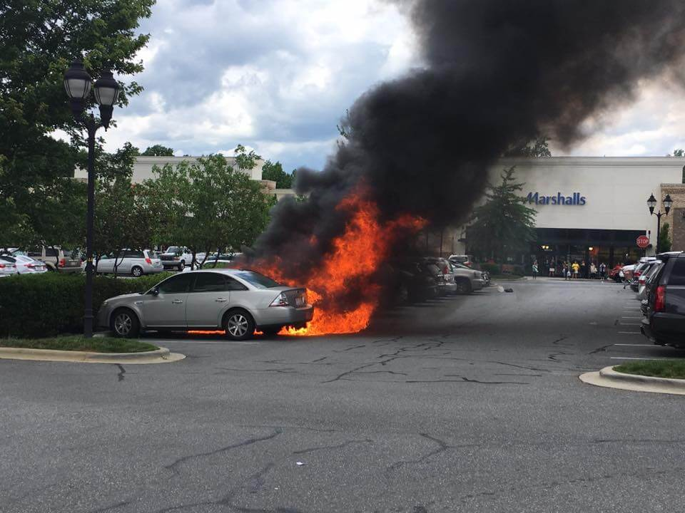 MULTIPLE CARS BURNING