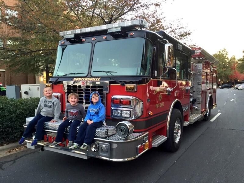 ENGINE 2 ATTENDS THE ANNUAL BIRKDALE PARADE