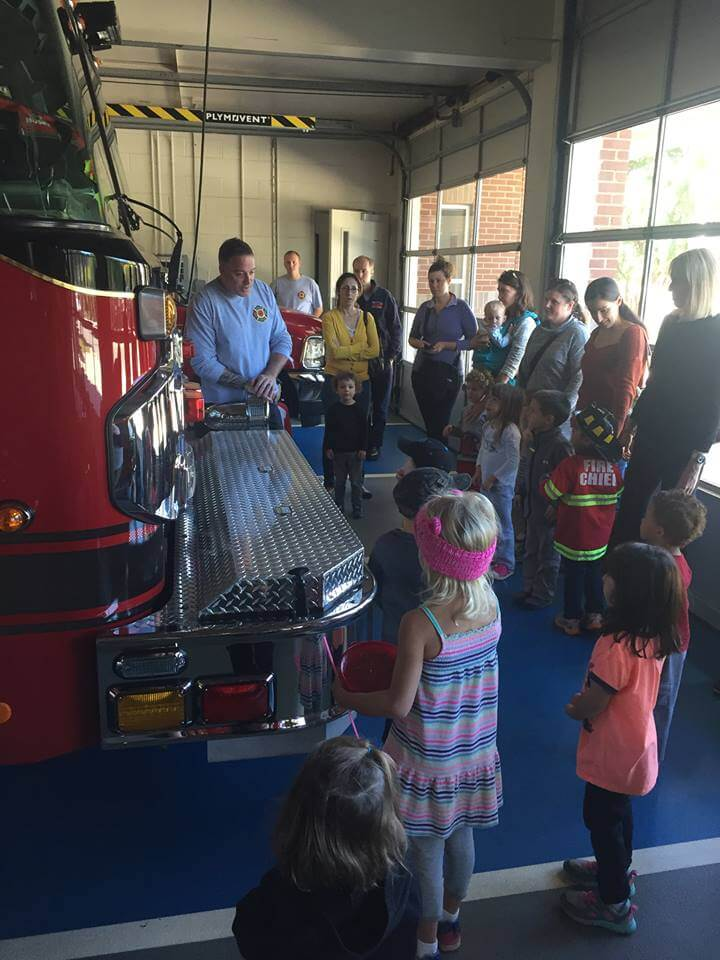 CHILDREN'S SCHOOLHOUSE VISITS THE ONE HOUSE