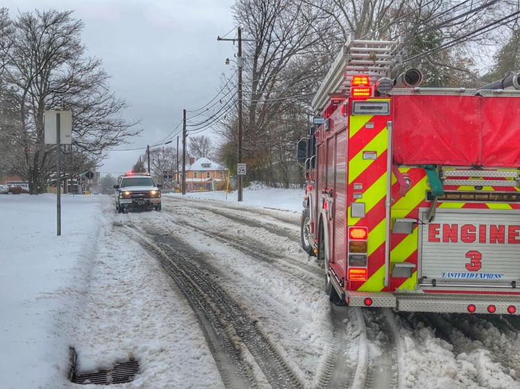 STATION 3 RUNNING CALLS IN THE SNOW